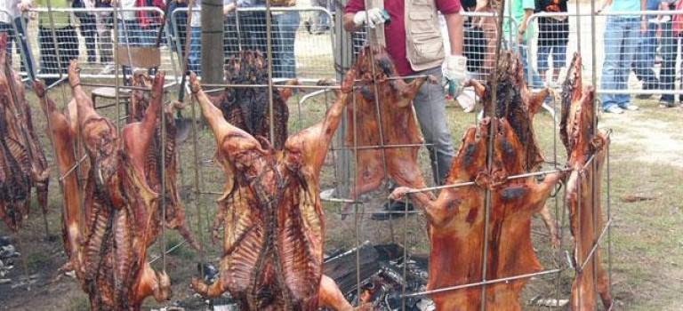 Fiesta del porquiño á brasa de Moraña